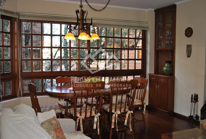 Cozy apartment in center of Gramado up to 6 people.