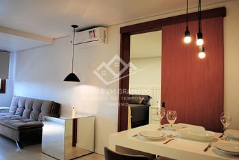 Newly furnished apartment near covered street